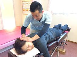 佐倉市かぶらぎ整骨院・整体院 プロテック腰痛プログラム 不良姿勢の矯正 施術風景写真