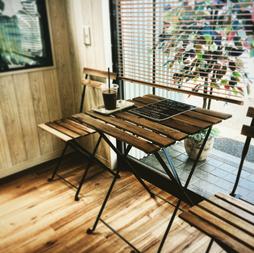 カフェの様な千葉市ヘアサロン写真
