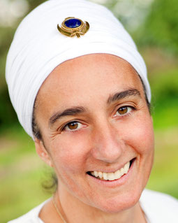 Sonhan Kaur - Karam Kriya Ausbildung der Kriya Schule Göttingen