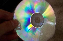 Bilde auf dem eine CD gewaschen wird