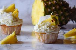 Rezept für Muffins/Cupcakes mit Ananas und Kokos.