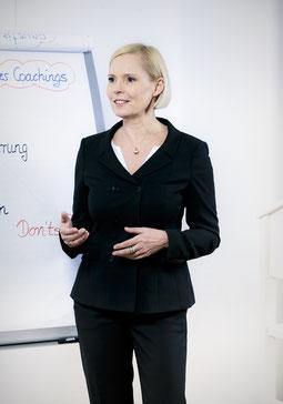 Die Autorin - Dr. Karin von Schumann