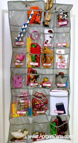 Organiza los juguetes y juegos organ zate de la a a la z - Estanterias guardar juguetes ...