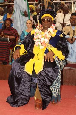sa Majesté, Vénérable Sénateur, Le Sultan, Roi des Bamoun.