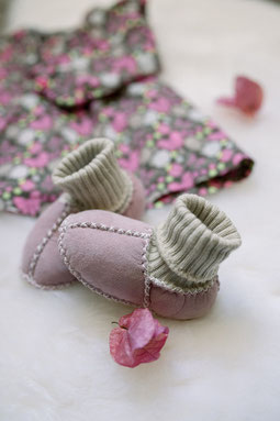 chaussons enfant fillette en peau d'agneau double mouton fourrure mouton maintien cheville bébé only mouton rose poudré