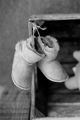chaussons bébé en peau d'agneau retourné fourré bébé only mouton