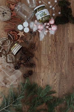 Bastelmaterialien für Tischdeko weihnachtlich