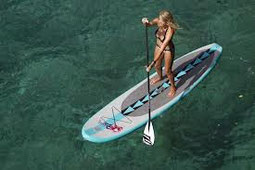 Naish Inflatable Frauen SUP Alana in Aktion