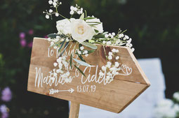 Panneau et pancarte de mariage en bois