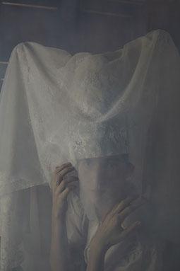medievil woman, inside a castle, dreaming, Anatol Gottfried, Margarita Leonore