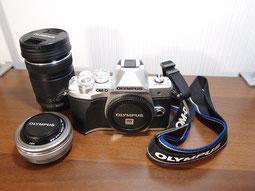 OM-DE-M10:ミラーレスカメラのセット写真