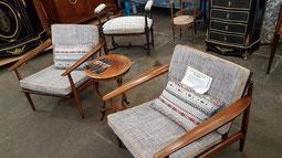 Les fauteuils de Ambiance Tapissier aux Puces Bordelaise à Bordeaux