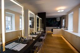 Schulungsplätze Make-up Schule Moni Gutezeit München