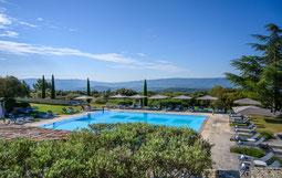 Pool und Garten des Les Bories & Spa bei Gordes