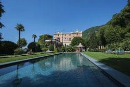 Außenaufnahme Villa Feltrinelli mit Pool