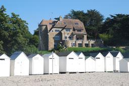 Manoir Dalmore vom Strand aus