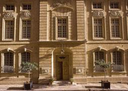 Eingang vom La Mirande Hotel in Avignon