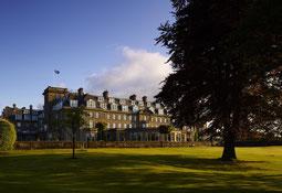 Gleneagles Hotel Außenansicht vom Park