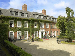 Hafield manor Frontansicht