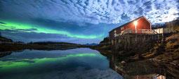 Polarlichter über der Villa Haugen in Nordnorwegen