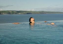 St. Brides Spa Hotel Blick vom Pool aufs Meer