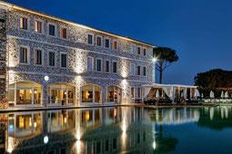 Terme di Saturnia Hotelpool im Abendlicht