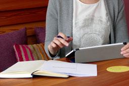 Bewerbungsservice, Bewerbung schreiben lassen, Bewerbungsschreiben, Lebenslauf schreiben, Esther Fusz - Individuelle Entwicklung