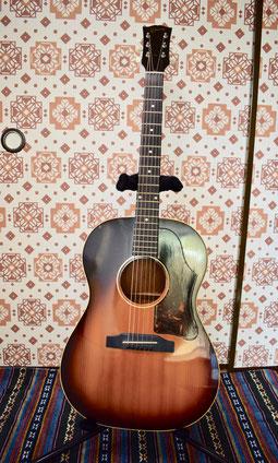市川駅のギター教室、市川駅近くのギター教室です。市川真間駅近くのギター教室です。シンガーソングライターの作曲指導しています。