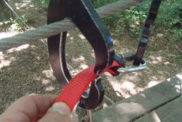 Clip'fil connecteur chariot navette de parc aventure en hauteur