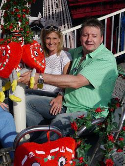 Fränk (49 Jahre) und Stefanie Münch (51 Jahre) haben die Verlobung nach fast 25 Jahre Ehe nachgeholt.