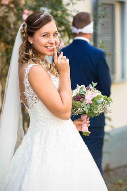 Hochzeitspaar Rezension, Beste Beurteilung Hochzeitsfotograf Hattersheim, Fünf Sterne Weiterempfehlung Hochzeitsfotograf