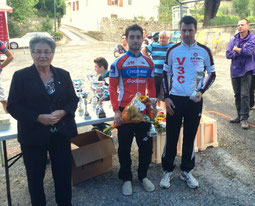 Podium scratch 1er groupe: manque le second(Danis)