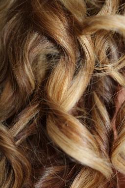 DieHairRichter Friseur und Kosmetikstudio in Berlin Kaulsdorf und Hellersdorf - Hairstyling mit professioneller Echthaarverlängerung.