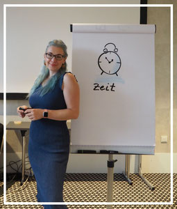 Dr. Claudia Langosch, Rhetorik+, Rhetorikplus, Kommunikationstraining, Karrierecoaching