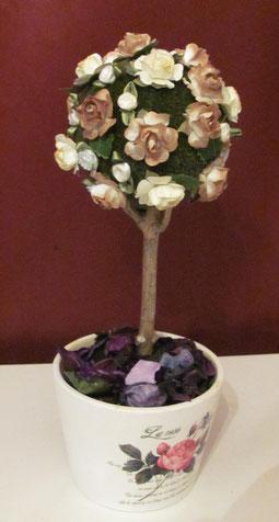 Саше в виде розового дерева. Сделано из пенопластового шарика (елочная игрушка), искусственных розочек , веток из соседнего двора (ствол дерева) и кашпо. Наполнитель - любое содержимое саше. шебби шик саше дерево счастья