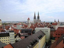 Regensburg, Blick auf die dicht bebauten Straßenzüge