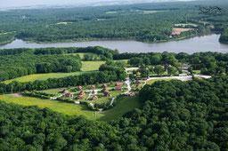Le Domaine équestre des Grilles au bord du Lac du Bourdon