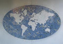 Wasserstrahltechnik: Weltkarte aus Granit