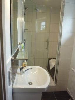 Gästehaus Erle Apartment Grünten Bad Ansicht Dusche