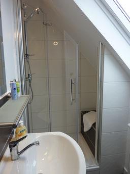Gästehaus Erle Apartment Nebelhorn Bad Dusche Ansicht