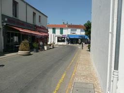 Rue commerçante à St Pierre