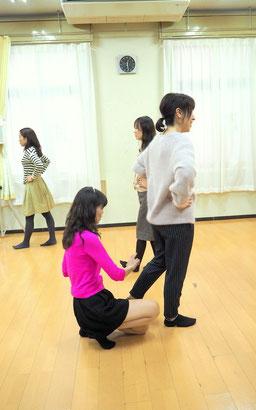 猫背 O脚 脚のむくみ 姿勢 歩き方改善