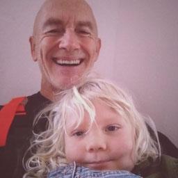 Karl-Peter Küddelsmann   Geboren am 01.01.61 in Kassel. Seit 1983 im Gesundheitsbereich  selbstständig tätig. Berufliche Qualifikation: Physiotherapeut ,Heilpraktiker, Hypnotherapeut . Während meiner beruflichen Laufbahn war es mir immer sehr wichtig, mög