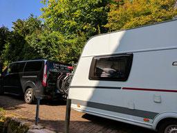 Einfach! Küche! (ab)gefahren - Auto mit Caravan
