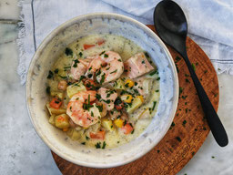 die Essklasse der alten Dorfschule - Urlaub für die Seele - #kochtopfreisen - Irland - Irish Fish Stew mit Lachs und Garnelen