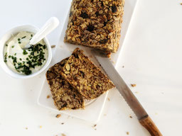 die Essklasse der alten Dorfschule - Saatenbrot - gesundes Brot ohne Hefe, ohne Mehl, glutenfrei und vegan