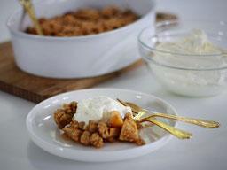Einfach! Küche! Apfel Crumble mit Joghurtsahne