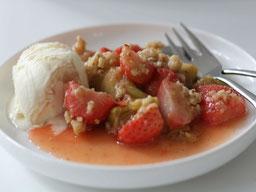 Einfach! Küche! Crumble mit Erdbeeren&Rhabarber