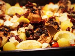 Einfach! Küche! ein Teller Nudeln mit Wildschweingulasch