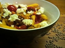 Einfach! Küche! Nudeln mit Linsen, Tomaten und Feta